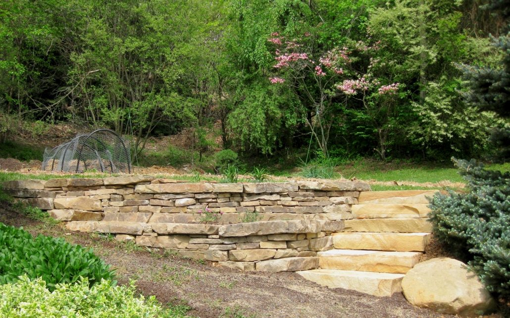 Sandstone Sitting Walls with Steps, North Carolina 2015